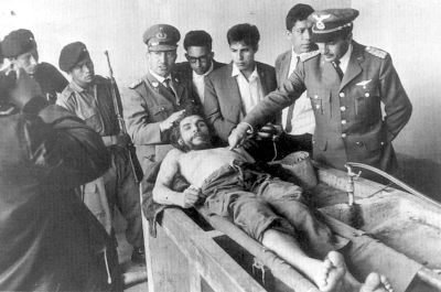 Corpse of Che Guevara. Photograph by Freddy Alberto.