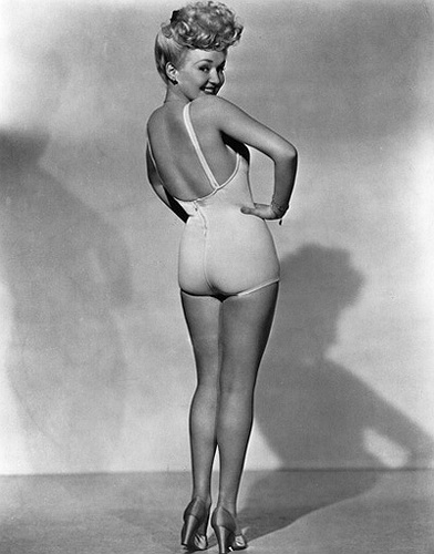 Betty Grable's famous pin-up. Photographer is Frank Powolny.