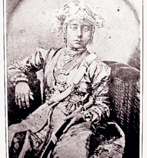 A photograph that is supposed to be of Jhansi Ki Rani Laxmibai. Photograph was taken by Hoffman.