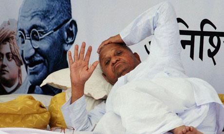 Anna Hazare during fast at Ramila Maidan.