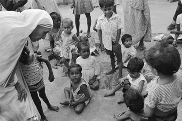Mother Teresa extensively worked for the poor and neglected sections of society.