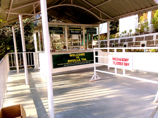 Ticket office at Bhulla Tal.